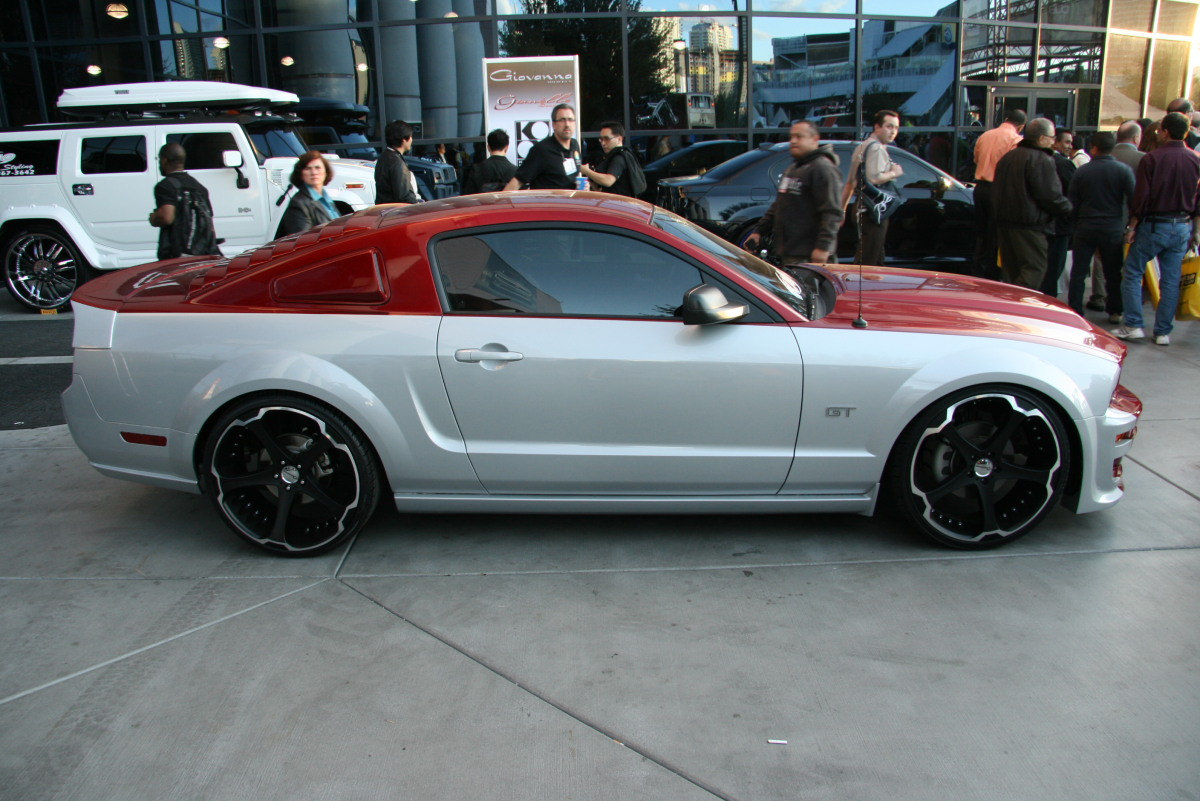 Giovanna Dalar-5 Matte Black on Ford Mustang GT