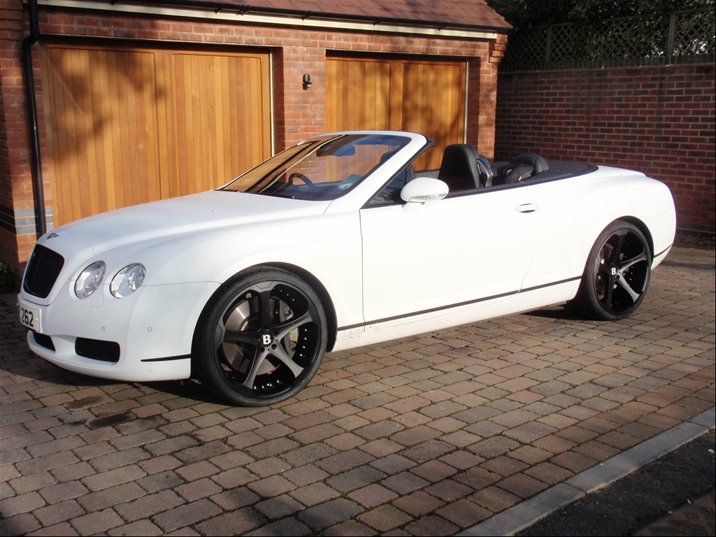 Giovanna Dalar-5 on Bentley Continental GTC