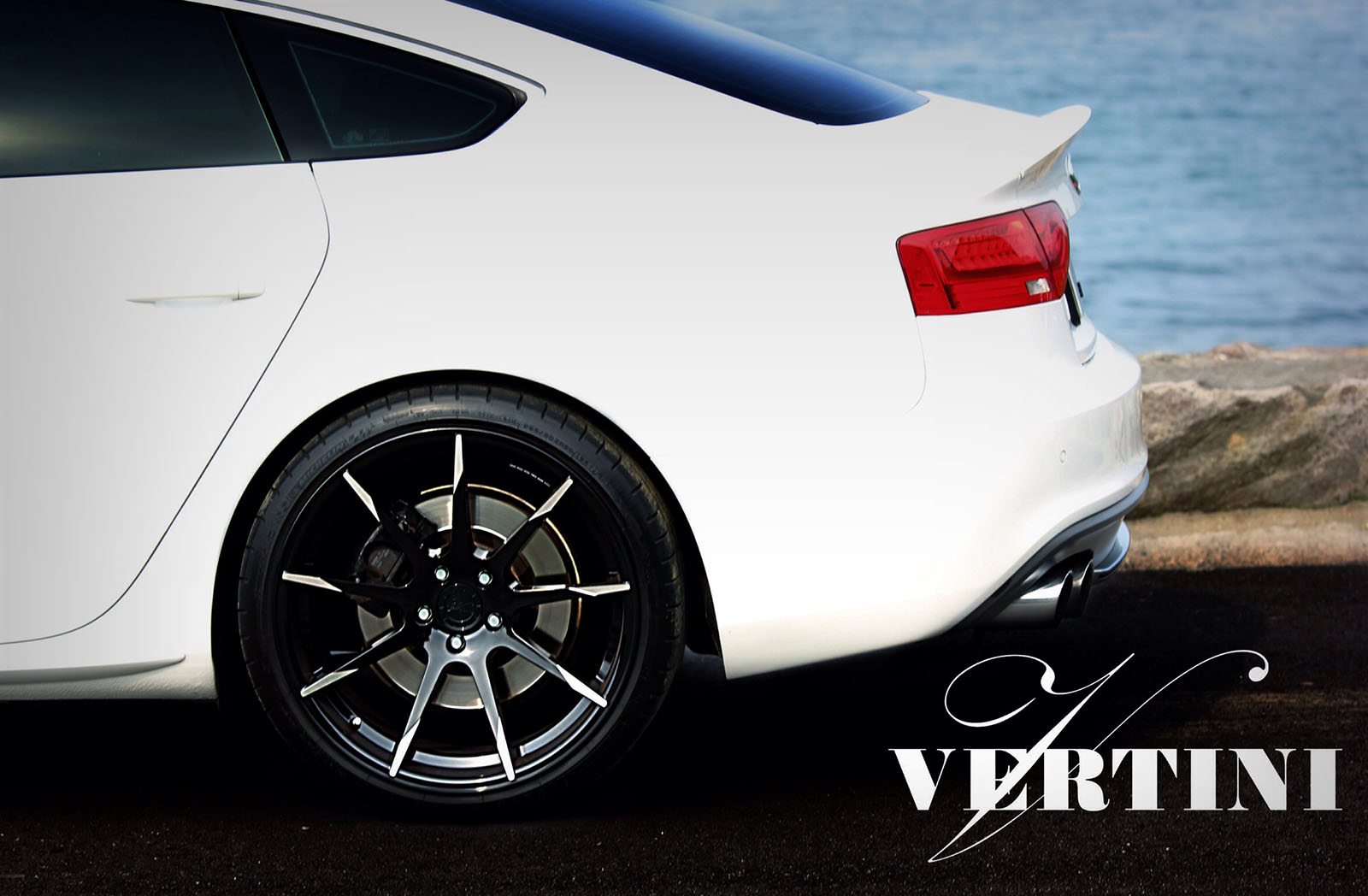 Vertini Flying Black R20 on Audi S5