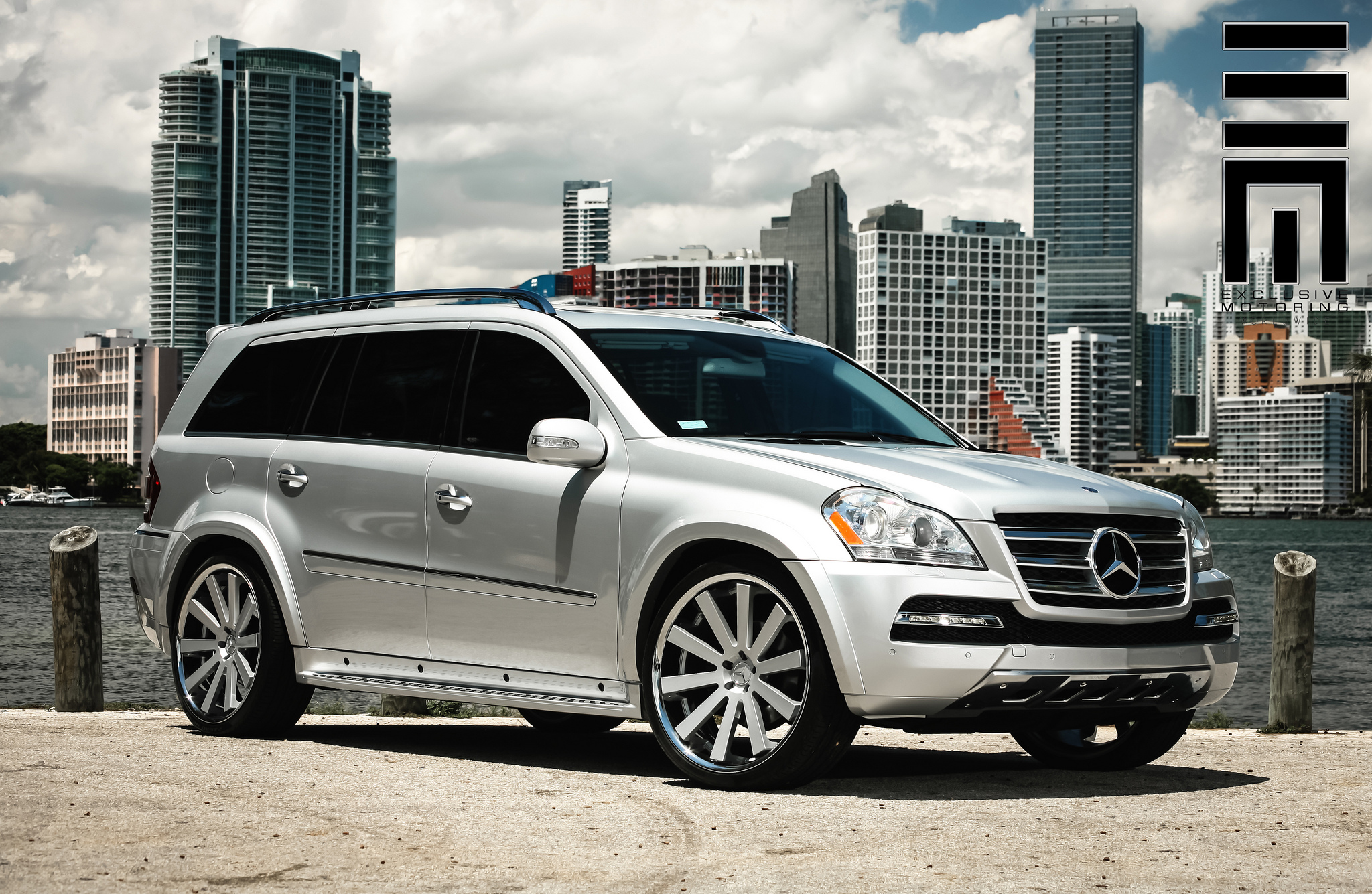 Gianelle Santo 2SS Silver on Mercedes Benz GL500