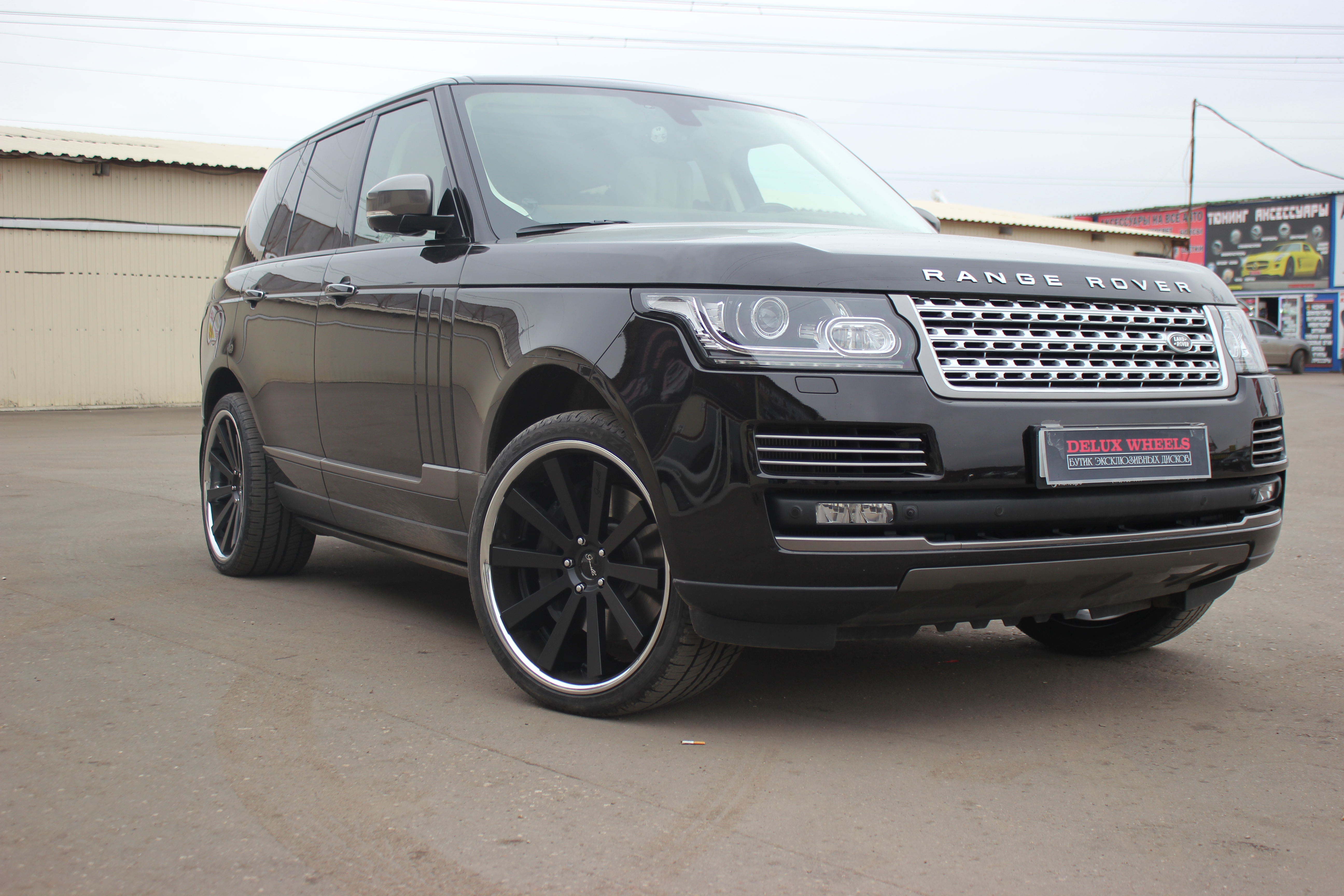 Gianelle Santo-2SS 22x10,5 on Range Rover Vogue 2013