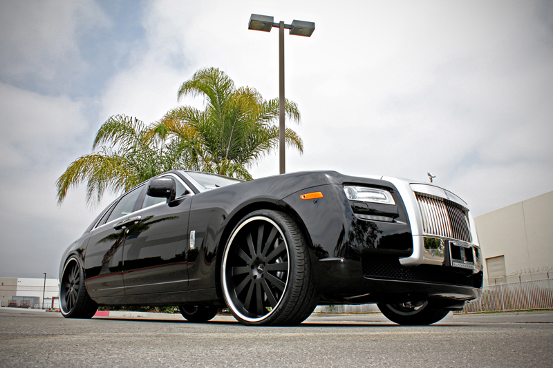 Gianelle Santorini on  Rolls-Royce Phantom