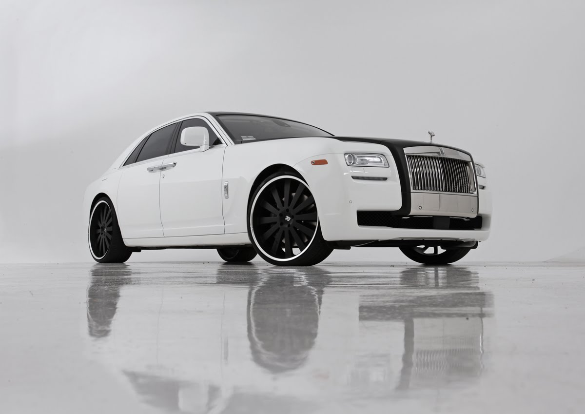Gianelle Santorini r24 on Rolls-Royce Ghost