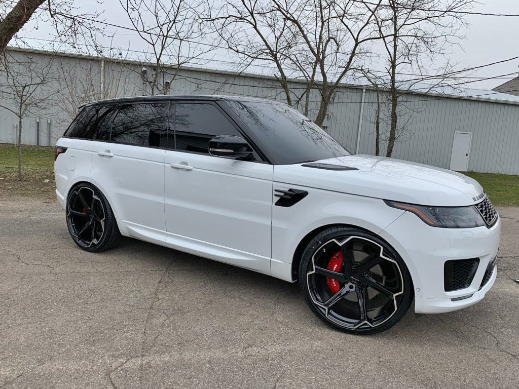 Giovanna Dalar X on White Range Rover Sport