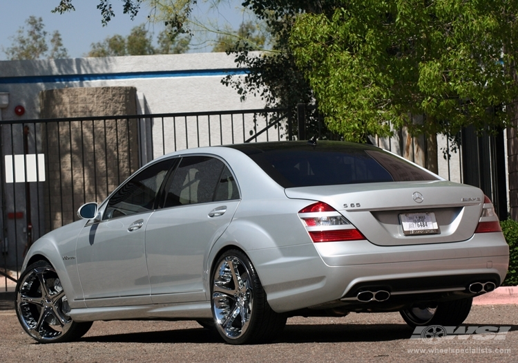 Giovanna Dalar-5 Chrome r22 on Mercedes Benz S65 AMG
