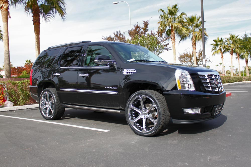 Giovanna Dalar-6V Chrome on Black Cadillac Escalade