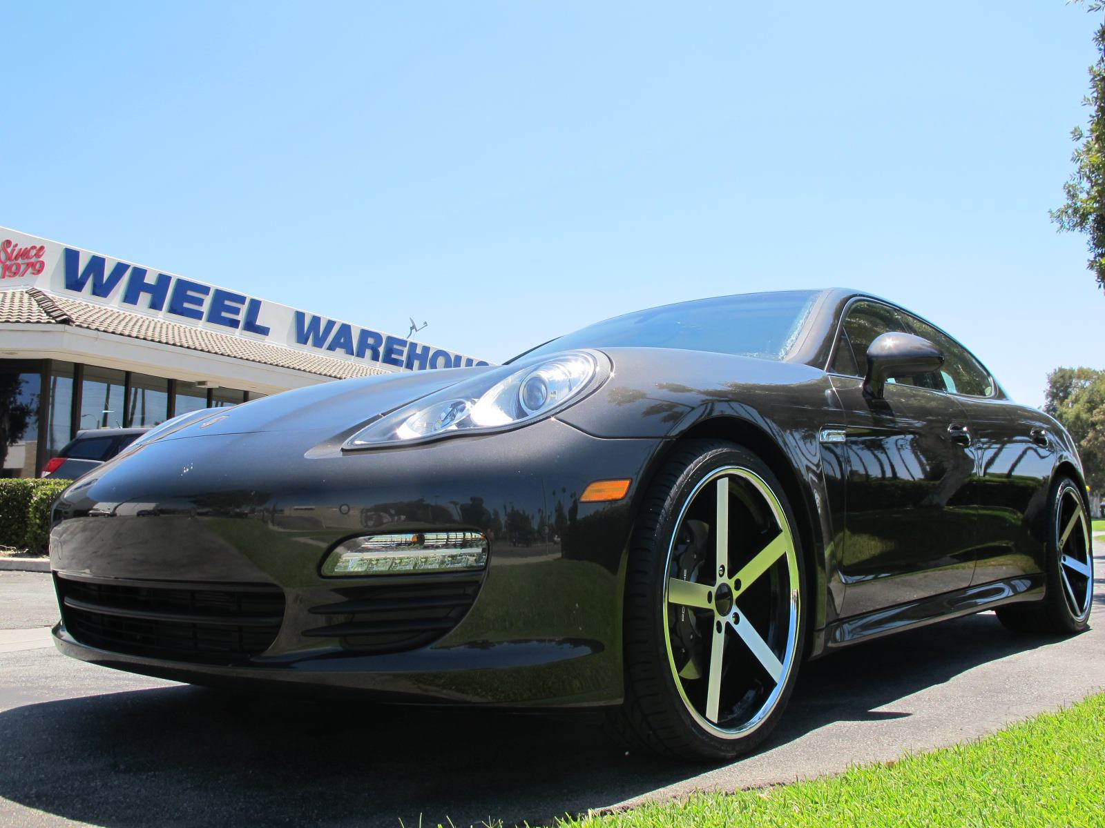 Giovanna Mecca Machined Black On Porsche Panamera(2)