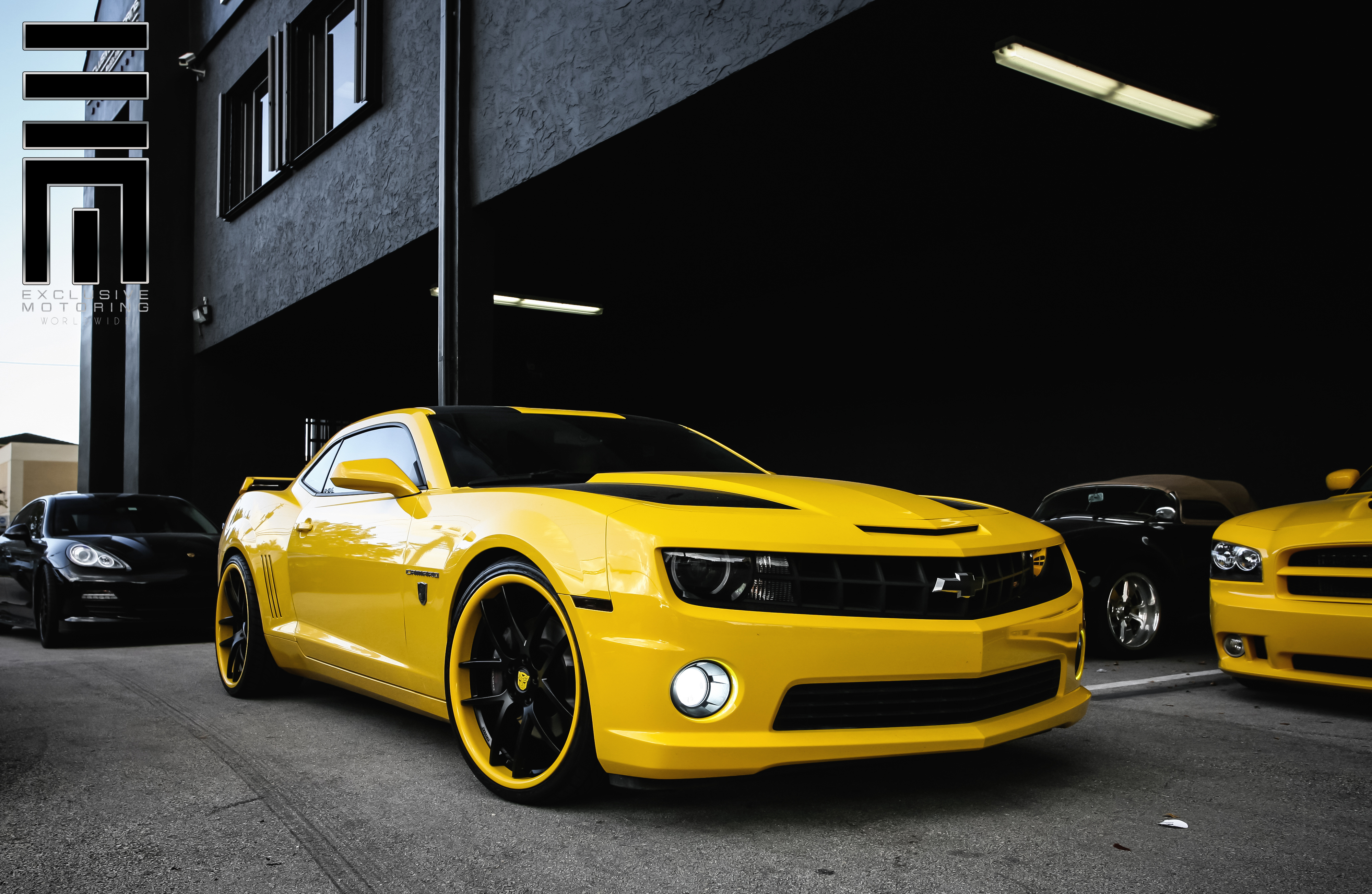 Giovanna Monza Custom Paint on Chevrolet Camaro SS