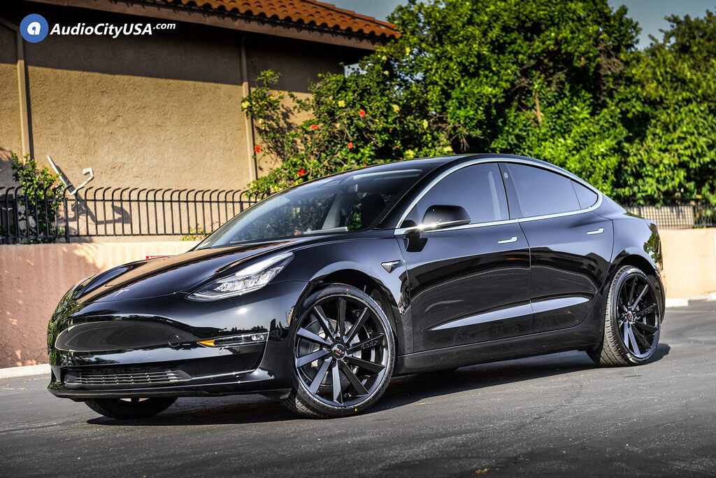 Koko Kuture Kapan Black on Tesla Model 3
