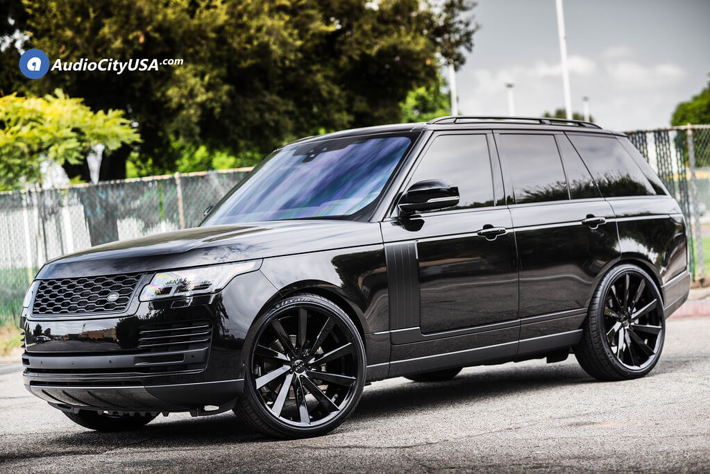 Koko Kuture Kapan on 2019 Range Rover Vogue