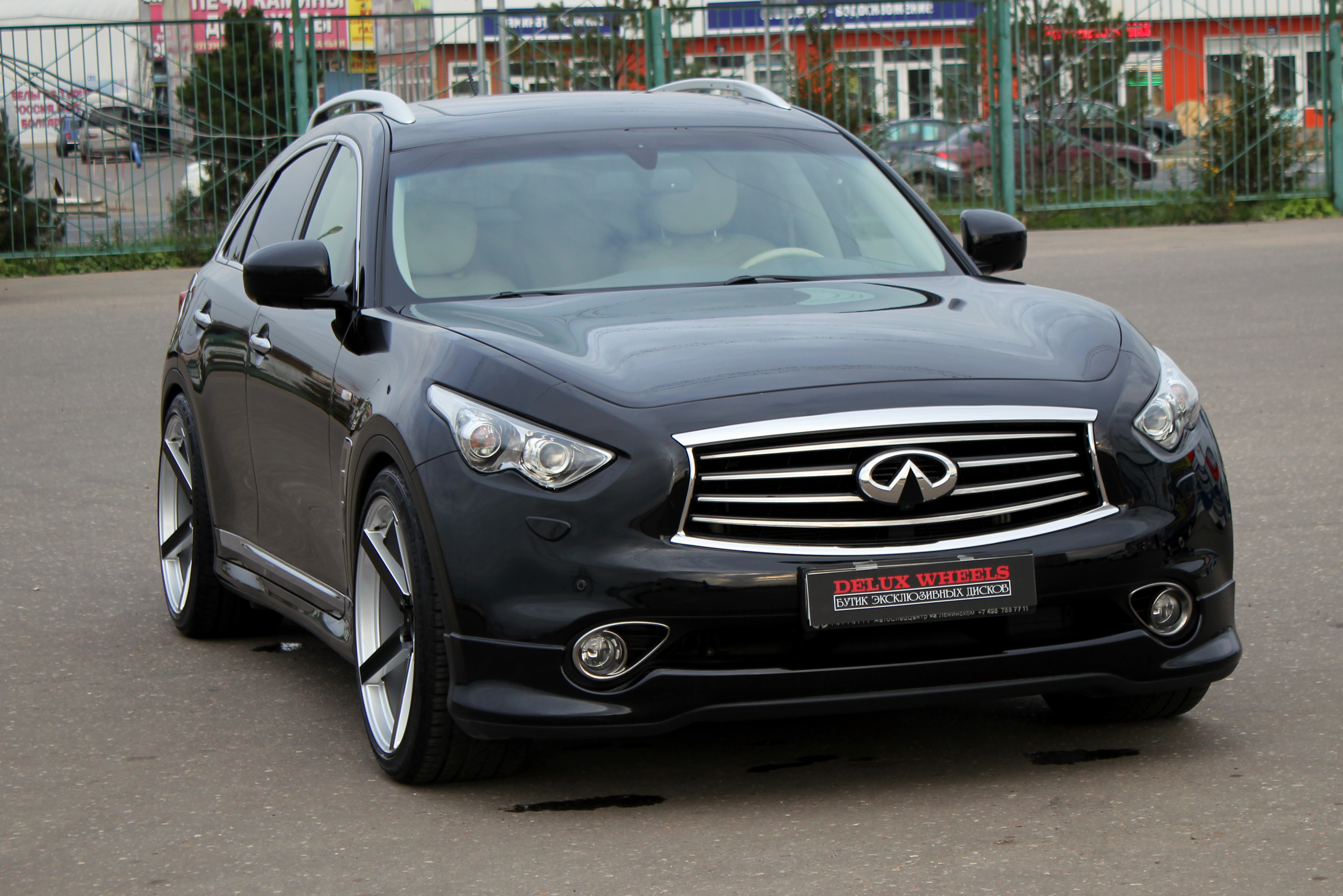 Koko Kuture Sardinia-5 Silver Black on Infiniti FX37