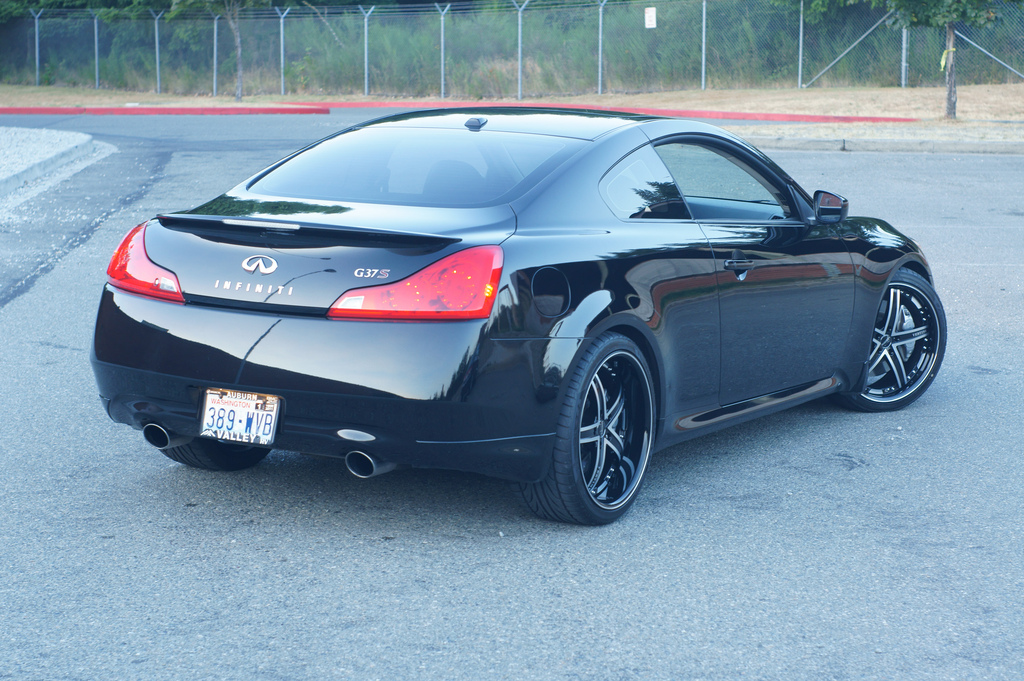 Vertini Fairlady on Infiniti G37S 20' Black lip