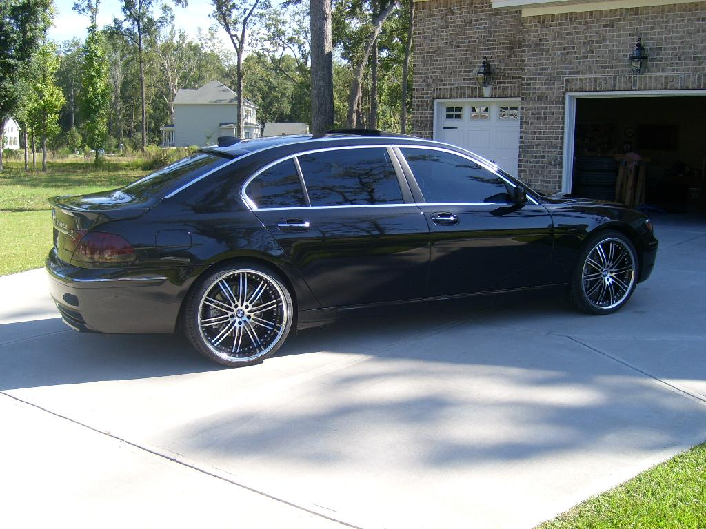 Vertini Hennessey 22'' on BMW 750 Li